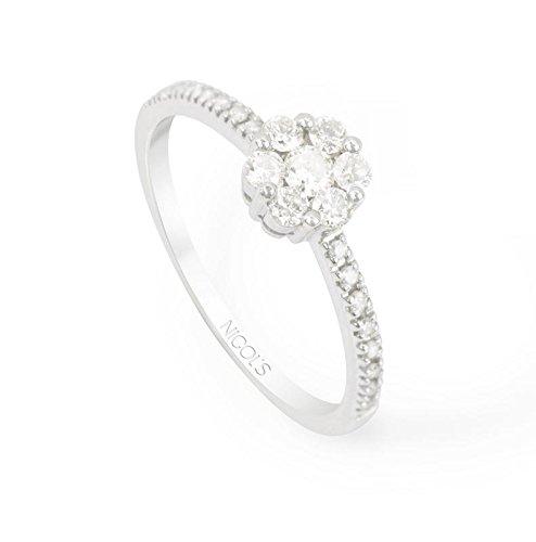 NICOLS 14710031011 - Anillo Diamantes Rosetón DIAMOND CLASSIC NICOL´S. Fabricada en oro blanco y diamantes talla brillante. Peso total D0.55ct.
