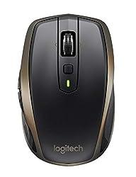 Couplage Multidispositifs : Associez jusqu'à trois dispositifs à votre souris Bluetooth. Basculez d'un ordinateur à l'autre en appuyant sur un bouton. MX Anywhere est compatible à la fois avec Bluetooth et avec le mini-récepteur unificateur. Autonomi...