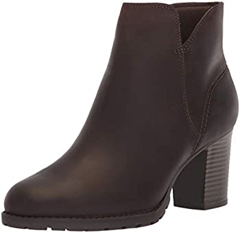 Clarks Women s Verona Trish Fashion Boot Taupe Leather 095 M US