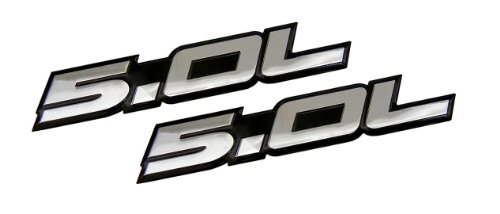 Desconocido 2 x (Pair/Set) 5.0L Emblems in Silver on Black Highly Polished Aluminum Silver Chrome Engine Swap Badge for Ford Mustang GT F-150 Boss 302 Coyote Cobra GT500 V8 Crown Vic Victoria