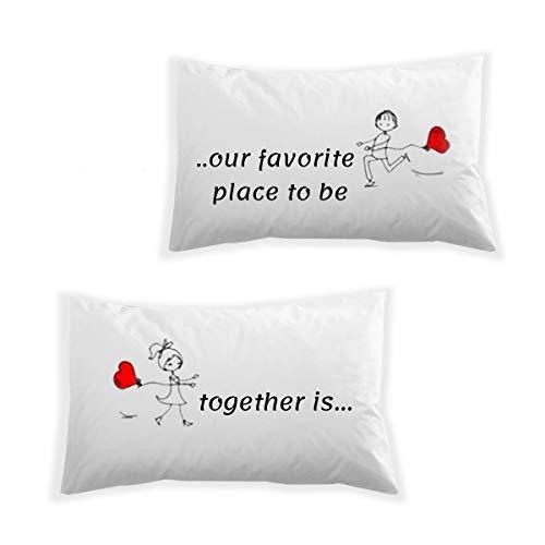 URBANZONE Par de fundas de almohada para cama de matrimonio simpáticas – Idea de regalo para él y ella – Regalo divertido – Navidad San Valentín Aniversario – despedida de soltera – Favourite