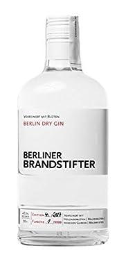 Gin 7fach gefilterten Destillat Verfeinert mit handgepflückte Blüten und Kräuter Abfüllung und Nummerierung per Hand.