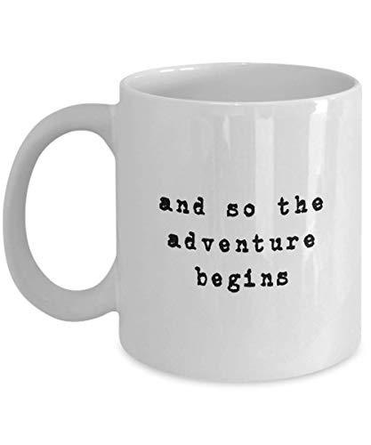 Taza De Té,Taza De Cerámica,Taza Mug,Taza Desayuno,Y Así,La Aventura Comienza El Regalo Para La Graduación,La Despedida De Soltera De La Boda,La Taza De Té Para La Jubilación Impresa En Ambos Lados