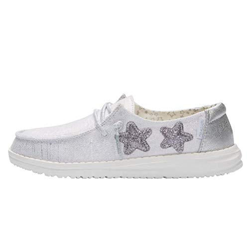 Hey Dude Wendy Mädchen-Schuhe – Leichter Komfort – Kinderschuhe – Mokassin-Stil – ergonomische Memory-Schaum-Einlegesohle – entworfen in Italien und Kalifornien, Silber - Stern Silber - Größe: 34 EU