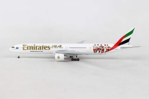 Herpa 530880 Fahrzeug Emirates Boeing 777-300ER Hamburger SV-A6-EPS