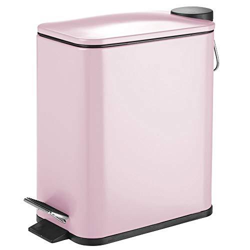 mDesign Papelera de baño rectangular – Cubo metálico de 5 litros con pedal, tapadera y cubo interior de plástico – Elegante contenedor de residuos para baño, cocina y oficina – rosa