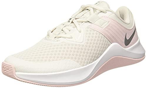 Nike MC Trainer, Zapatillas de Gimnasio Mujer, Platinum Tint/Metallic Silver, 38.5 EU