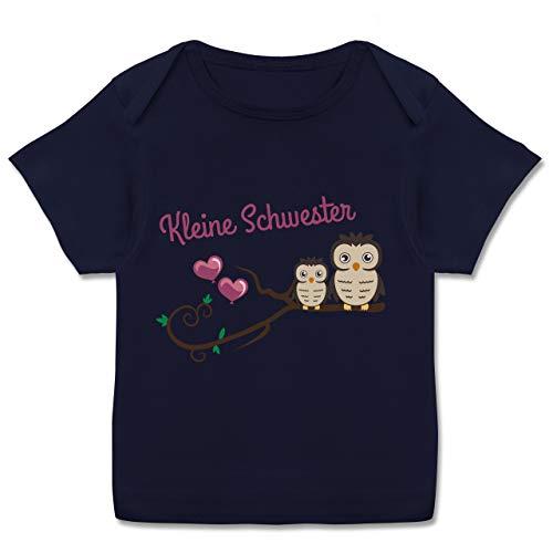 Geschwisterliebe Baby - Kleine Schwester süße Eulen - 56-62 - Navy Blau - Tshirt Baby - E110B - Kurzarm Baby-Shirt für Jungen und Mädchen