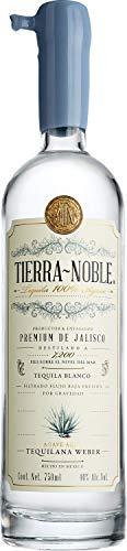 Tequila 3 Generaciones marca TIERRA NOBLE
