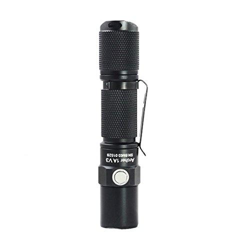 『ThruNite Archer 1A V3 懐中電灯 LED フラッシュライト ハンディライト小型 CREE XP-L V6搭載 明るさ最大200 ルーメン/最大照射距離66メートル/最大光度1088cd 4段階明るさ切替+ストロボモード IPX-8防水 単3アルカリ乾電池×1本使用 1AV3 CW』の5枚目の画像