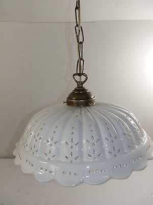 Lampadario a sospensione in ottone con catena e piatto ceramica traforata 32 cm