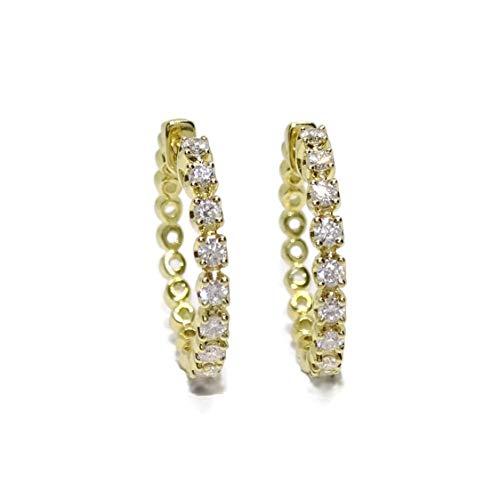 Orecchini a cerchio in oro giallo 18 k con diamanti da 0,54 ct di diametro da 2 cm e chiusura a clip interna di sicurezza.