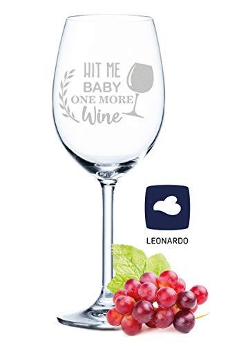 Leonardo - Copa de vino con grabado - Hit me Baby one more Wine - Regalo para aficionados de verano y amantes del vino - Copas de vino - Regalo de cumpleaños para mujeres y hombres