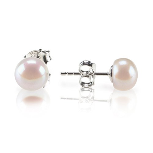 Round WHite Freshwater Cultured Pearl Earrings by Pavoi