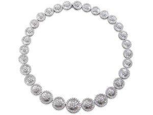 Collier fantaisie en or blanc 18 carats avec pendentif rond et baguette de diamants en forme de F-VS 33,50 carats