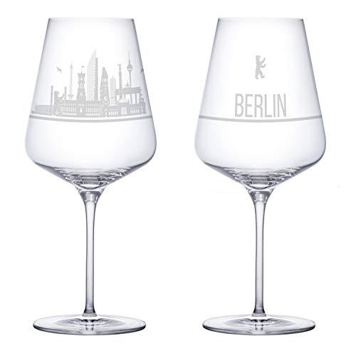 I LOVE Berlin Weingläser 2er Set | Weinglas mit Gravur der Berliner Skyline | Souvenir Deutschland | Geschenkidee Muttertag, Vatertag, Gastgeschenk | Geschenkbox Deutschland | MADE IN GERMANY