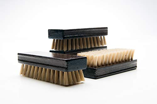 Cat Grooming Brush and Dog Brush for Shedding Short Hair and Medium Length Hair. Excellent Deshedding Brush for Cats and Small/Medium Dogs. Wood with boar bristles for Shiny & Healthy Fur Coats!