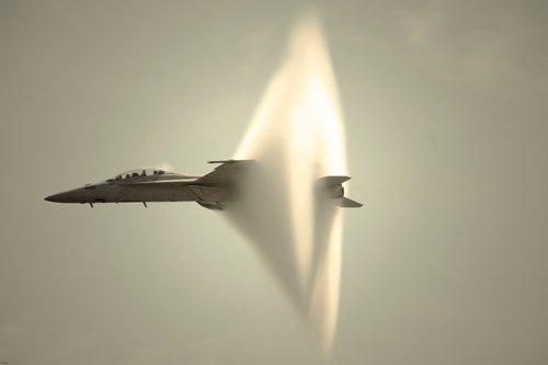 sonische boem jet vliegtuig vliegen op snelheid van geluid poster geweldig schot 24x36