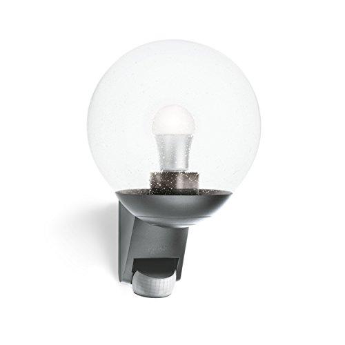 Steinel Außenwandleuchte L 585 anthrazit, 180° Bewegungsmelder, Max.10 m Reichweite, klassisch, mundgeblasenes Glas