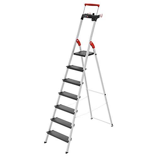 Escalera de aluminio de seguridad Hailo L100 TopLine con bandeja multifunción, asa de seguridad y bloqueo de plataforma ofrece seguridad en formato XXL: 130 mm niveles extra profundos.