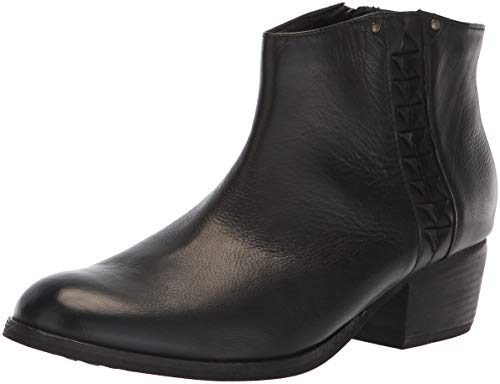 Clarks Women's Maypearl Fawn Fashion Boot, Black Leather, 5 M US