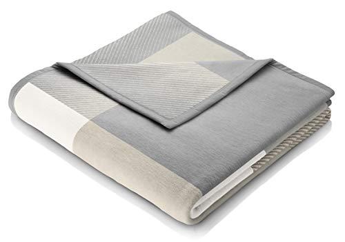 biederlack® weiche Kuschel-Decke I Made in Germany I Öko-Tex Made in Green I nachhaltig produziert I Across Beige I Couch-Decke aus Baumwolle und Dralon kariert I Sofa-Decke 150x200cm grau-beige