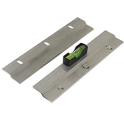 Barras colgadoras en forma de Z, soportan hasta 20 kg (si se fijan sobre una superficie maciza). Cada barra mide 150mm de largo x 20mm de ancho. Profundidad total de 6 mm. Se pueden usar varias barras para distribuir la carga. Marco y tornillos de ...