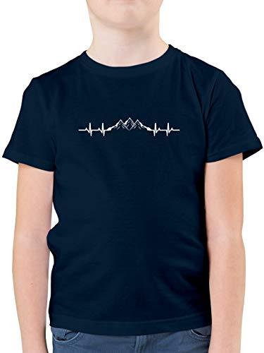 Anlässe Kinder - Berge Herzschlag - 128 (7/8 Jahre) - Dunkelblau - Herzschlag - F130K - Kinder Tshirts und T-Shirt für Jungen
