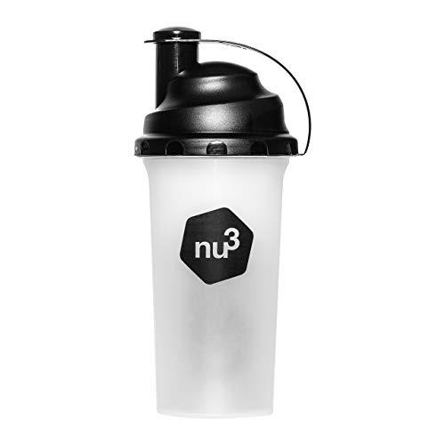 Shaker - Für Eiweiß/Protein Shakes und andere Drinks - 700ml Trinkflasche mit cleverem Sieb für klumpenfreies mixen - Blender & Bottle mit festen Dreh Klappverschluss - Spülmaschinengeeignet - von nu3