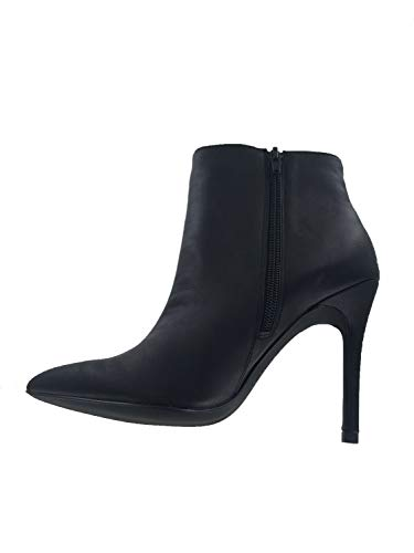 CHARLES BY CHARLES DAVID Womens Delicious 2, Black Smooth, Size 6.0