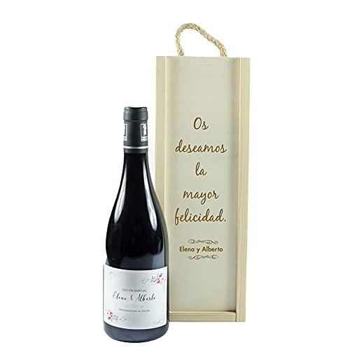 Botella de vino personalizada con nombres como regalo de boda