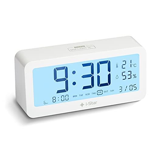 Sveglia da Comodino a Batteria, Sveglia Digitale con Sveglie Multiple per Giorni Feriali Fine Settimana e Visualizzazione Temperatura e Umidità, Orologio da Comodino e Tavolo Digitale