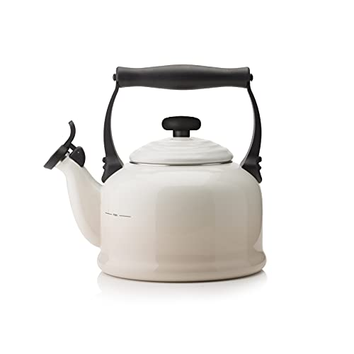 Le Creuset Traditional Stovetop Kettle with Whistle and Max Line, Enamelled Steel, 2.1 L / 2.2 qt, Meringue, 40102027160000