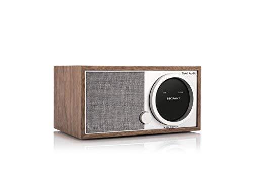 Ricezione Radio DAB/DAB+/FM RDS. Rete Wireless abilitata (Wi-Fi) e Connettività wireless Bluetooth. App Tivoli Audio Wireless gratuita per azionare gli altoparlanti nella rete wireless di casa e per configurare le opzioni di riproduzione avanzata. Co...