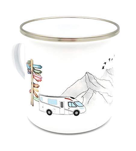 Emaille-Tasse mit Wohnmobil in den Bergen, auch mit Namen personalisiert. Personalisierte Tasse aus Emaille für Campingliebhaber. Prima Geschenkidee für Camper!