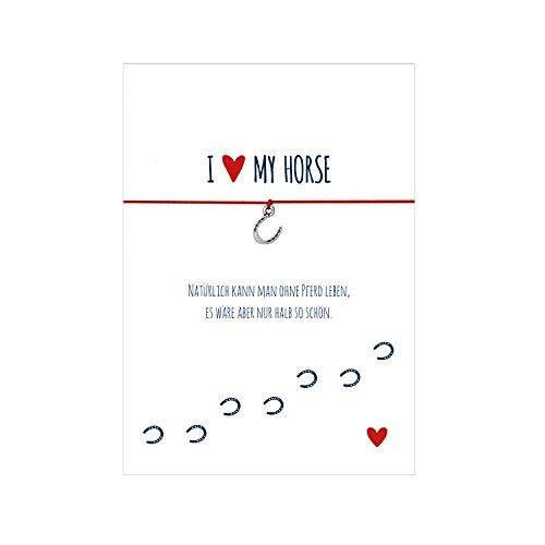 Glücksschmiedin Armband mit Hufeisen-Anhänger, elastischen Textilband in rot und individuellen Spruch: natürlich kann Man ohne Pferd Leben, es wäre Aber nur halb so schön