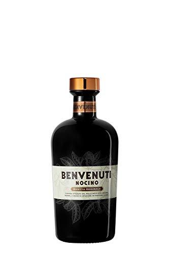 Nocino Benvenuti - liquore ottenuto dal mallo delle noci acora acerbe, a mezzo di infusione in finissimo alcool. Bottiglia da 70cl, vol. 34%