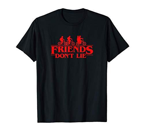 Stranger Things Group Shot Red Friends Don't Lie Maglietta