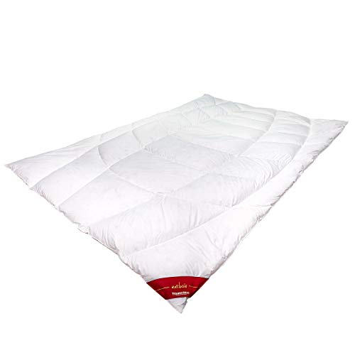Traumschloss Exclusiv Daunenbett Bettdecke | Wäreklasse Universal | 100% weiße europäische Gänsedaunen Klasse 1 | 200er Schweizer Mako-Batist aus 100% supergekämmter Baumwolle | 135 x 200cm