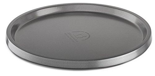 Acciaio resistente e professionale. Design resistente alla corrosione. Rivestimento antiaderente durevole. Utilizzabile in forno fino a 450 gradi. Lavabile in lavastoviglie.
