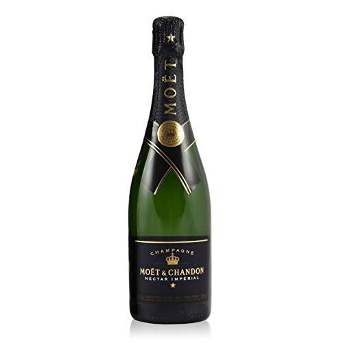 Moet & Chandon Champagne - 750 ml