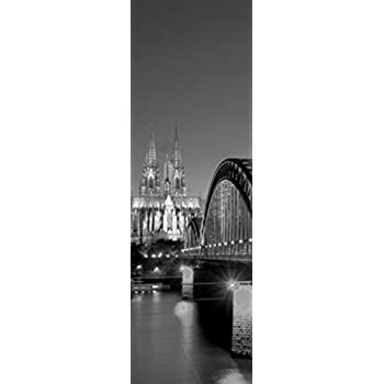 1art1 Koln Hohenzollernbrucke Und Kolner Dom Bei Nacht Selbstklebende Fototapete Poster Tapete 180 X 120 Cm Amazon De Kuche Haushalt