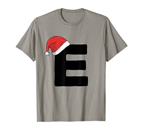 E inicial de Navidad con cumpleaños de gorro de Papá Noel Camiseta