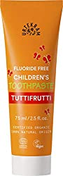 Toothpaste Tuttifrutti is a favourite among children, as it has nice and fruity taste that makes toothbrushing child's play Cleans effectively with ingredients of 100% natural origin Aloe vera, myrrh and magnolia bark extract help protect the gums an...