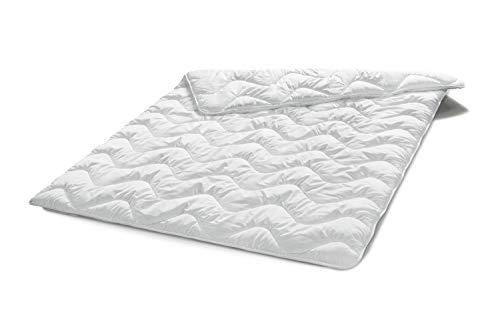 Traumnacht Basis Steppbett Leicht Sommerdecke, für den Sommer, mit kuschelig weichem Microfaserbezug in 135 x 200 cm, weiß