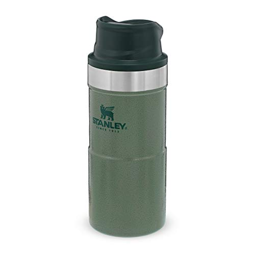 Stanley Classic Trigger Action Travel Mug Doppelwandiger, vakuumisolierter Becher für Kaffee, Tee & Wasser, | Hält Getränk heiß oder kalt |Einhändig bedienbar |BPA-frei, Hammertone Green, 0.35 L