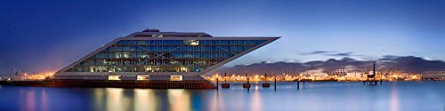 Acrylglasbild in feinster Galerie Qualität. Hafen Hamburg mit Dockland. Panoramabild als Glasbild aus Acrylglas. Kunst Wandbild | Wand Glas Bild | Fotografie