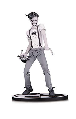 Basado en el arte de Sean Murphy. Esculpido por Karen Palinko y Ziggy Halfpepper Limitado a 5.000 piezas Numerado individualmente. La estatua mide 17,78 cm de alto.
