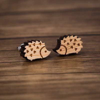 『ピアス ハリネズミ 木製 ウッド ビンテージ レディース ねずみ アニマル 小ぶり スタッド』の2枚目の画像