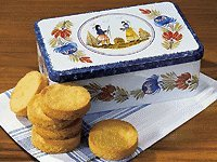 Palets Bretons in Schmuckdose (280g Maße: 20 x 13 x 7 cm). Auch Sie werden vom vollen buttrigen Geschmack begeistert sein. Von uns erhalten Sie es in der traditionell bemalten Schmuckdose. €42,68/kg